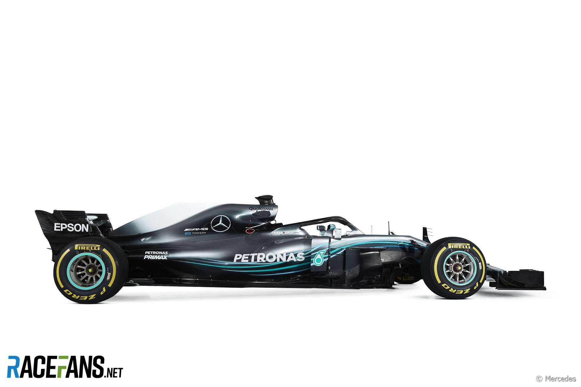 Compare mercedes new w09 with its 2018 car 2018 f1 for Mercedes benz f1 car