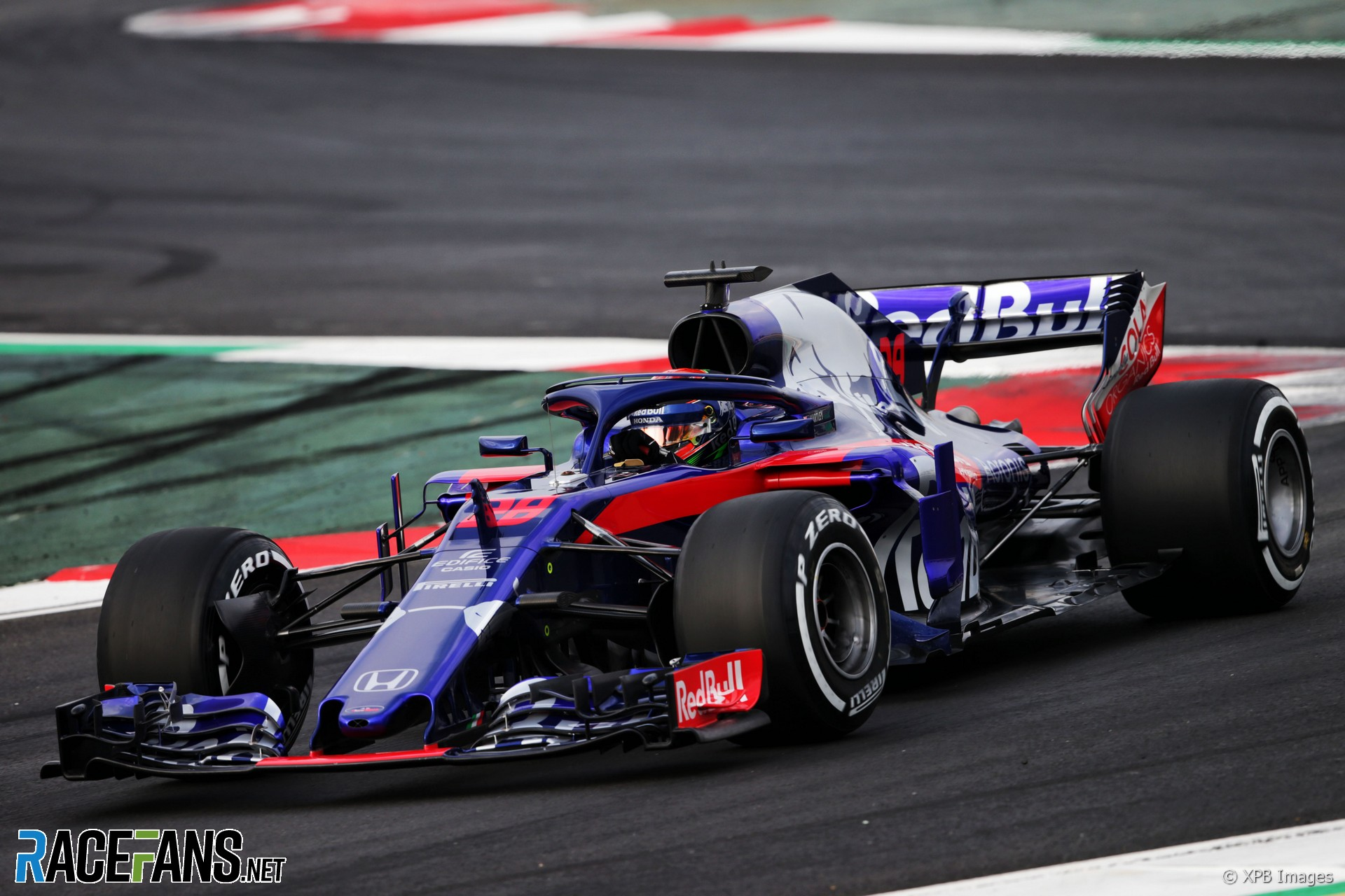 brendon hartley toro rosso circuit de catalunya 2018 racefans. Black Bedroom Furniture Sets. Home Design Ideas