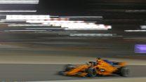 Fernando Alonso, McLaren, Bahrain International Circuit, 2018