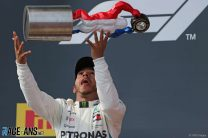 Hamilton says F1 drivers are 'not pootling around'