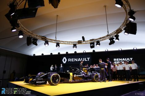 Jolyon Palmer, Kevin Magnussen and Esteban Ocon reveal the Renault RS16, 2016
