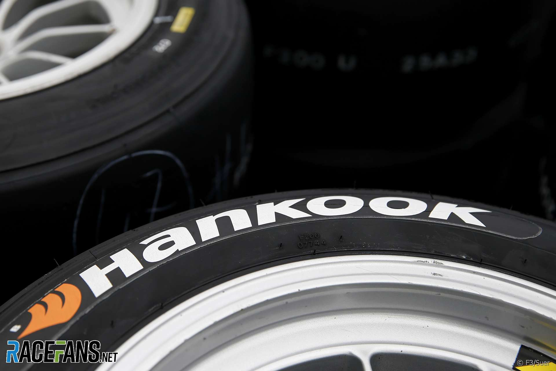 Why F1 Won T Go Back To Having A Tyre War Racefans