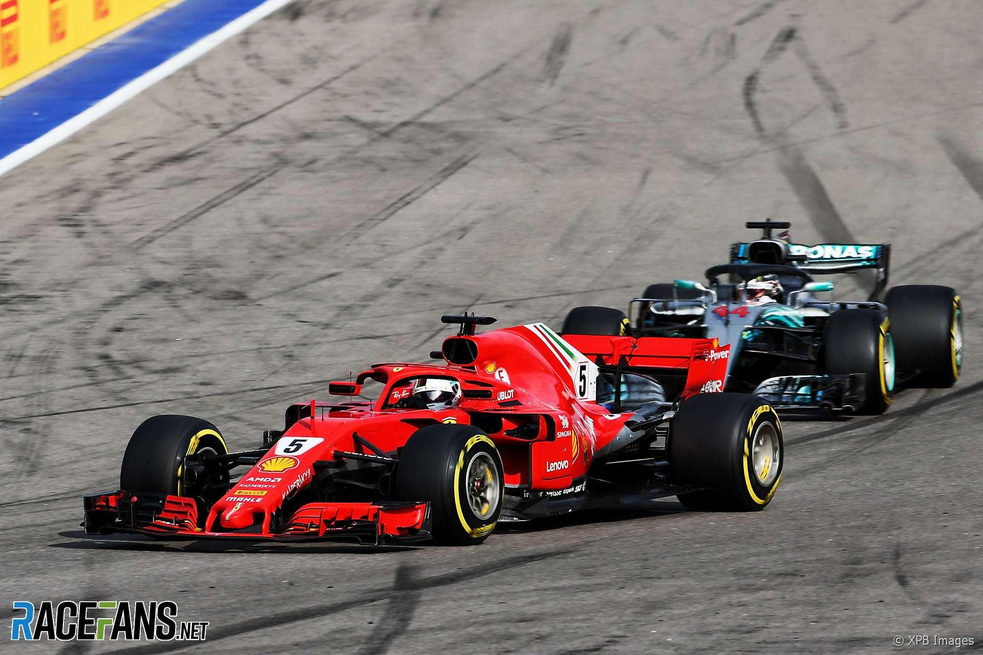 Sebastian Vettel, Lewis Hamilton, Sochi Autodrom, 2018