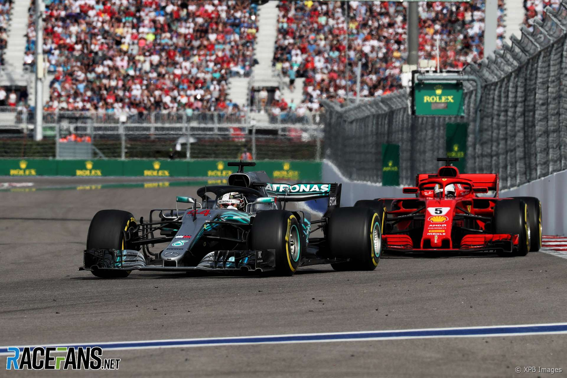 Lewis Hamilton, Sebastian Vettel, Sochi Autodrom, 2018