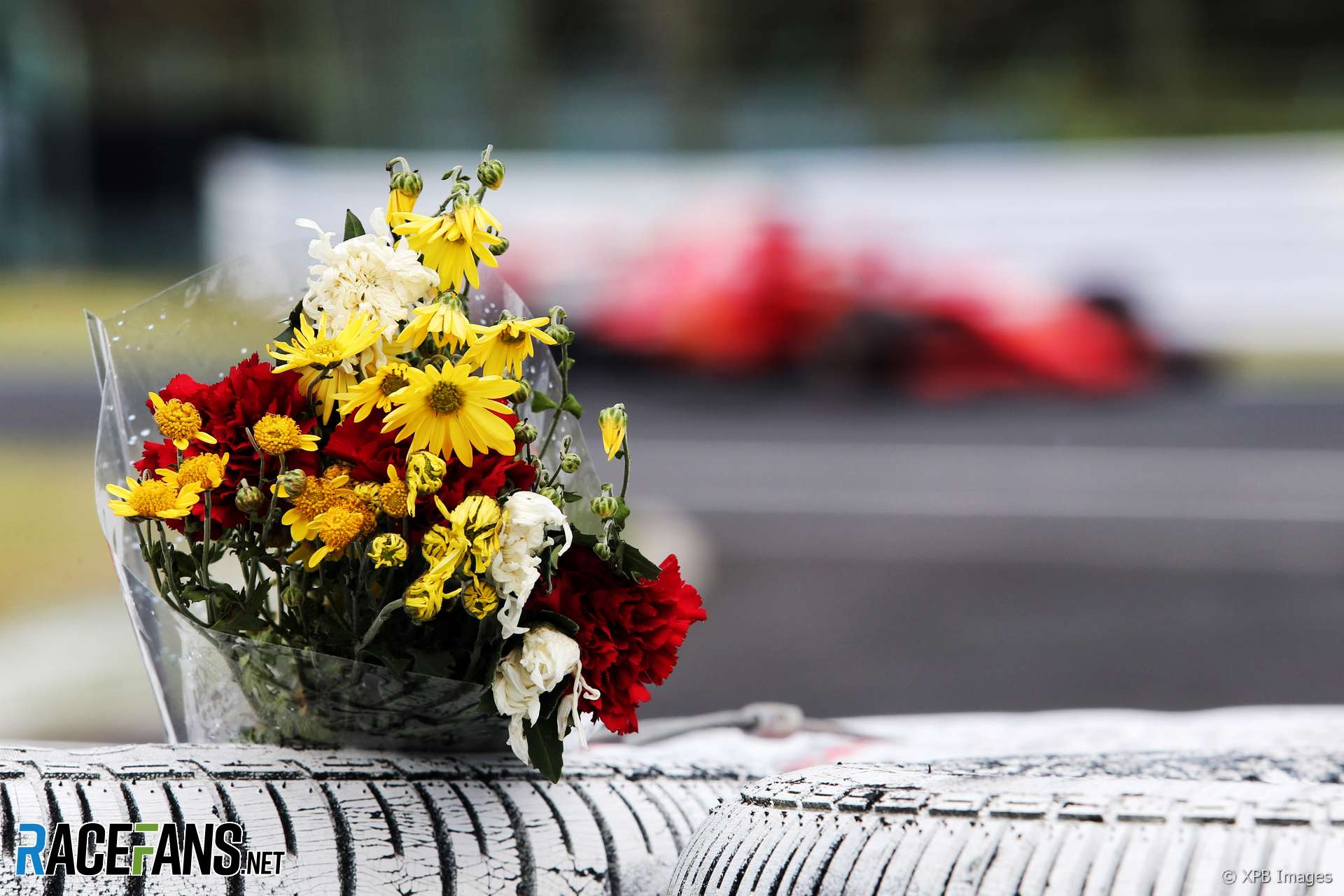 Sebastian Vettel passes a tribute to Jules Bianchi, Suzuka, 2018
