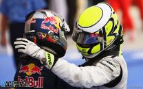 Button extends title lead with third win