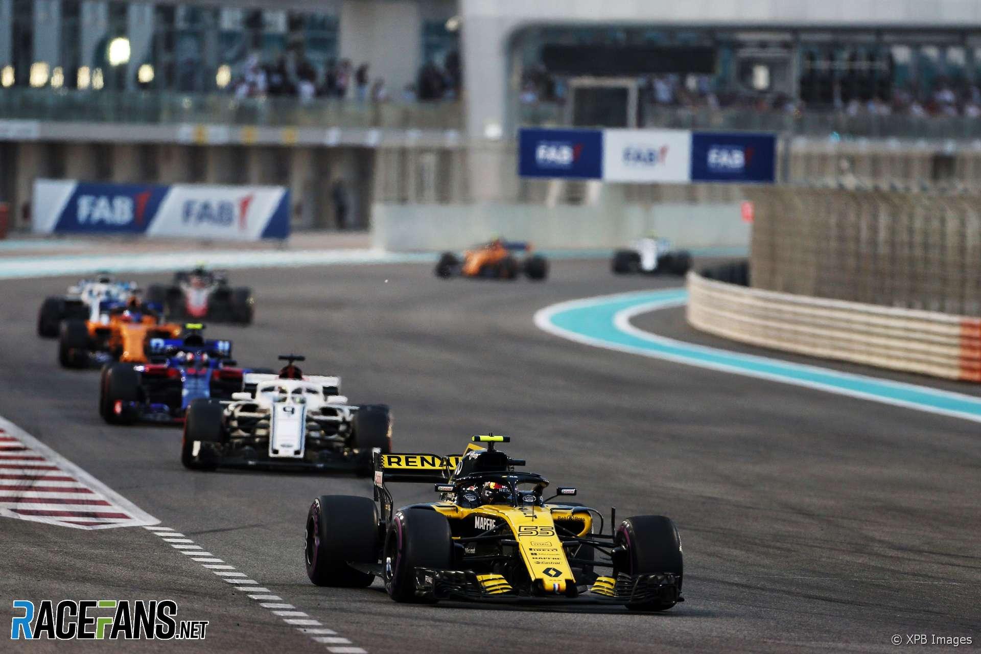 Carlos Sainz Jnr, Renault, Yas Marina, 2018
