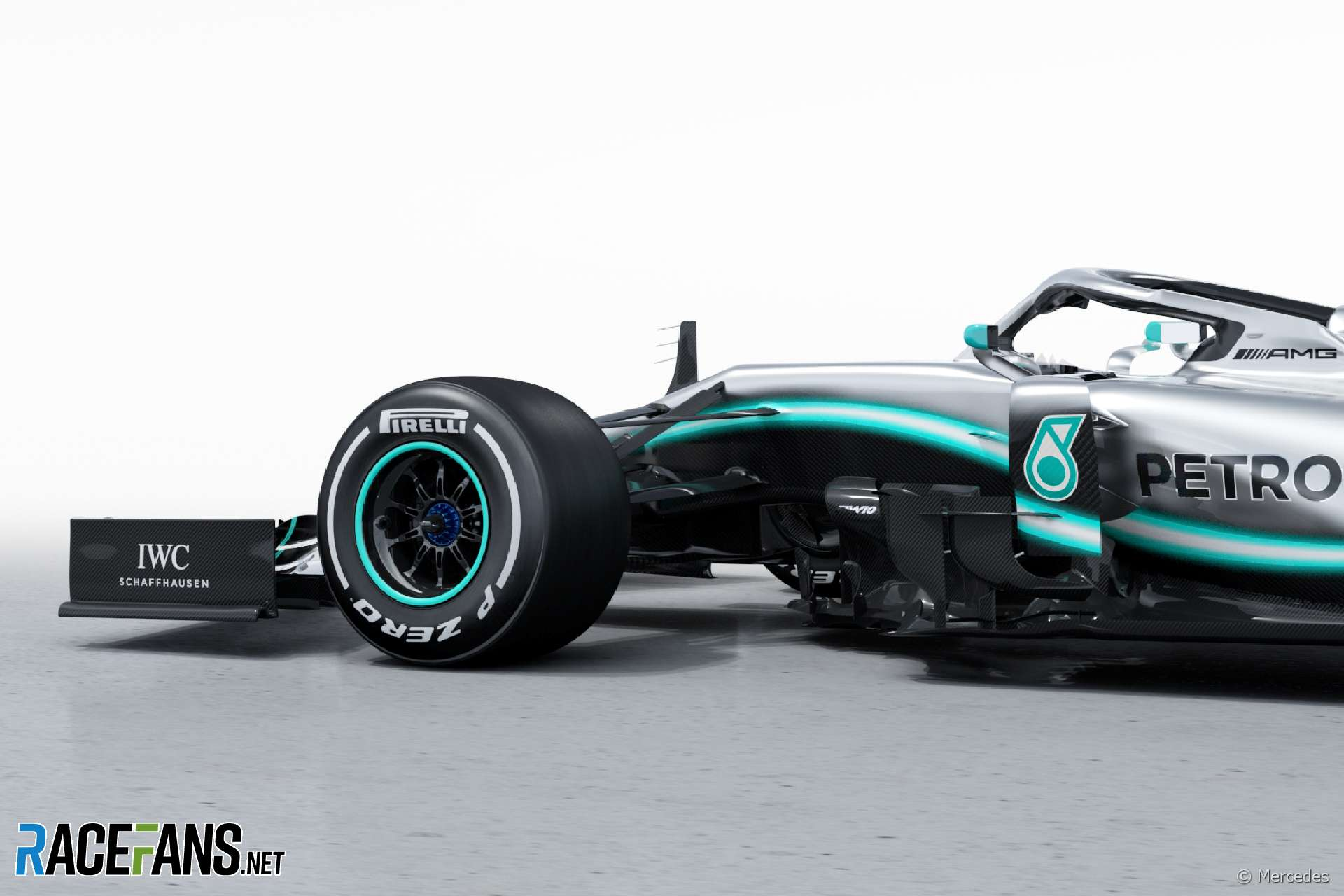 Compare Mercedes' new W10 and last year's vehicle