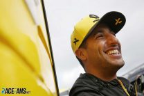 Ricciardo paying more attention to midfield rivals at Renault