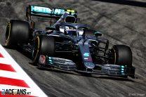 Bottas stays on top in second practice
