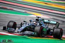 Hamilton half a second ahead after Bottas spins