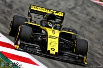 Hulkenberg faces penalty after team fail to declare wing change
