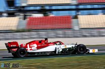 """Ilott """"caught off-guard"""" in crash during first F1 test"""