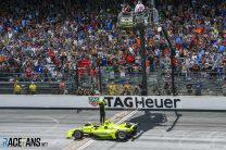 IndyCar abandons efforts to allow fans in to Indianapolis 500