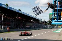 F1 restores traditional chequered flag signal after light panel error at Suzuka
