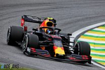 Hamilton apologises to Albon for collision