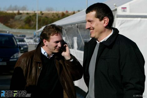 Christian Horner, Guenther Steiner, Red Bull, Circuit de Catalunya, 2005