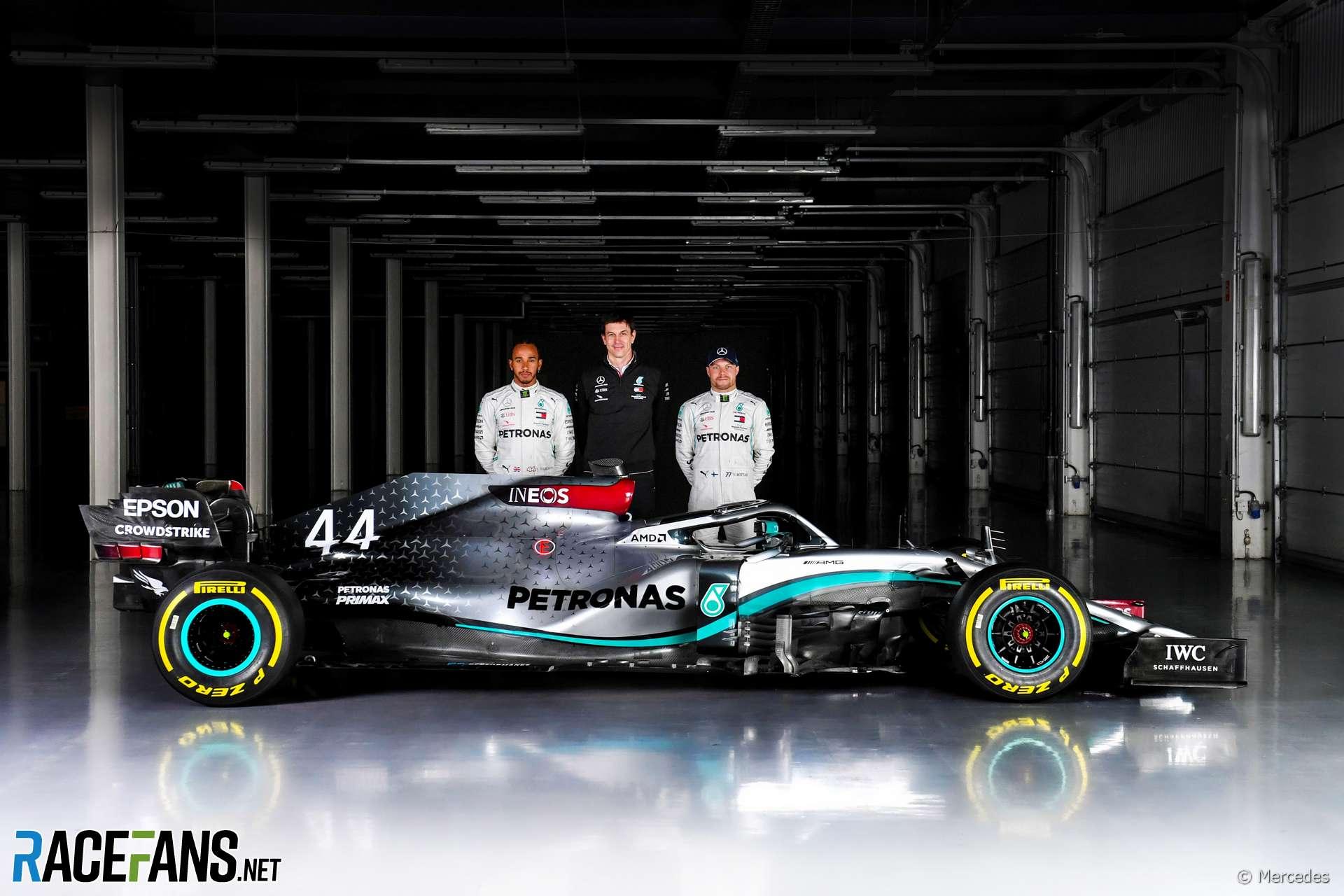 Lewis Hamilton, Toto Wolff, Valtteri Bottas, Mercedes W11, Silverstone, 2020
