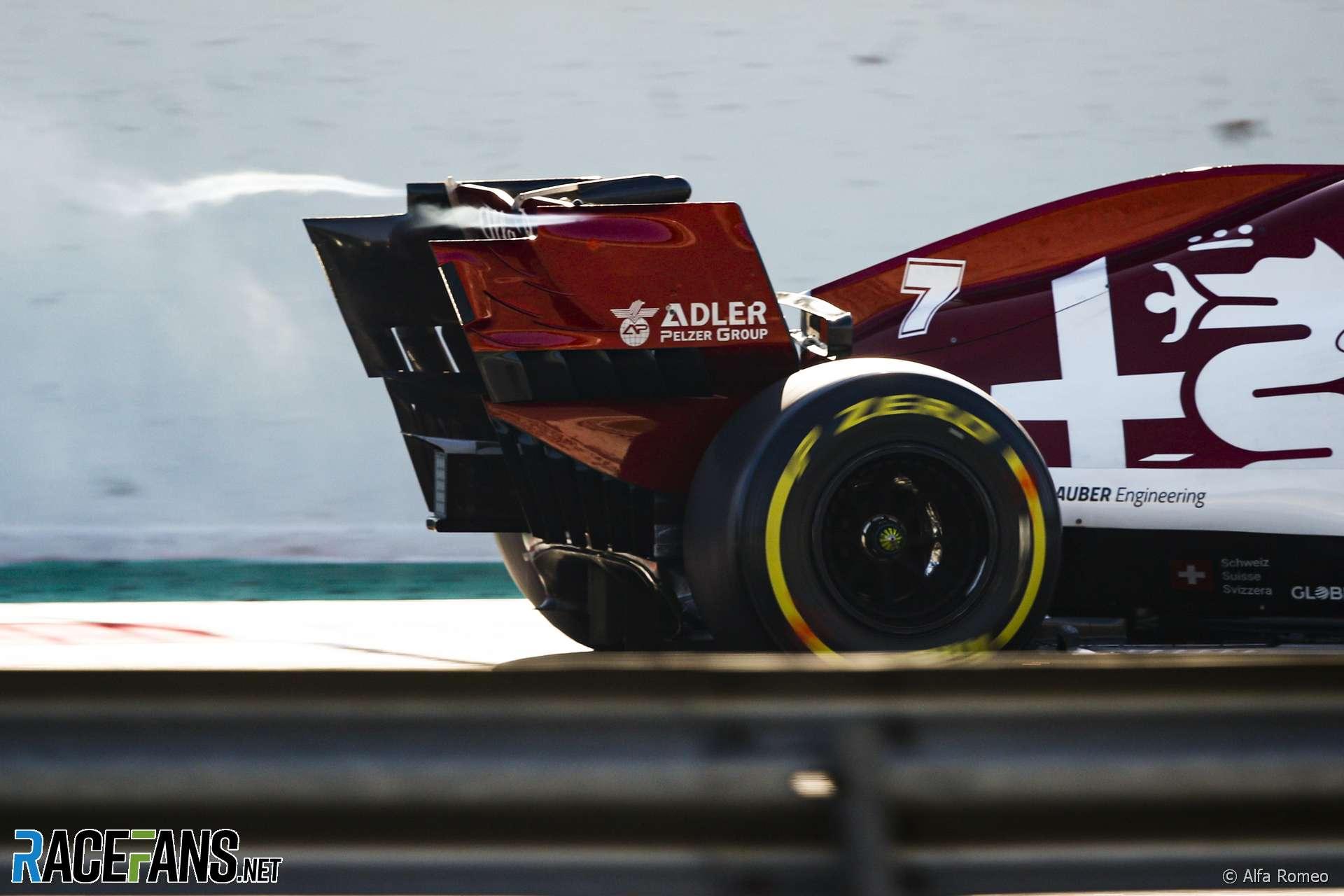 Vortex behind Kimi Raikkonen's Alfa Romeo, Circuit de Catalunya, 2020