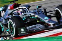 Hamilton: Pirelli must produce better tyres for 2021