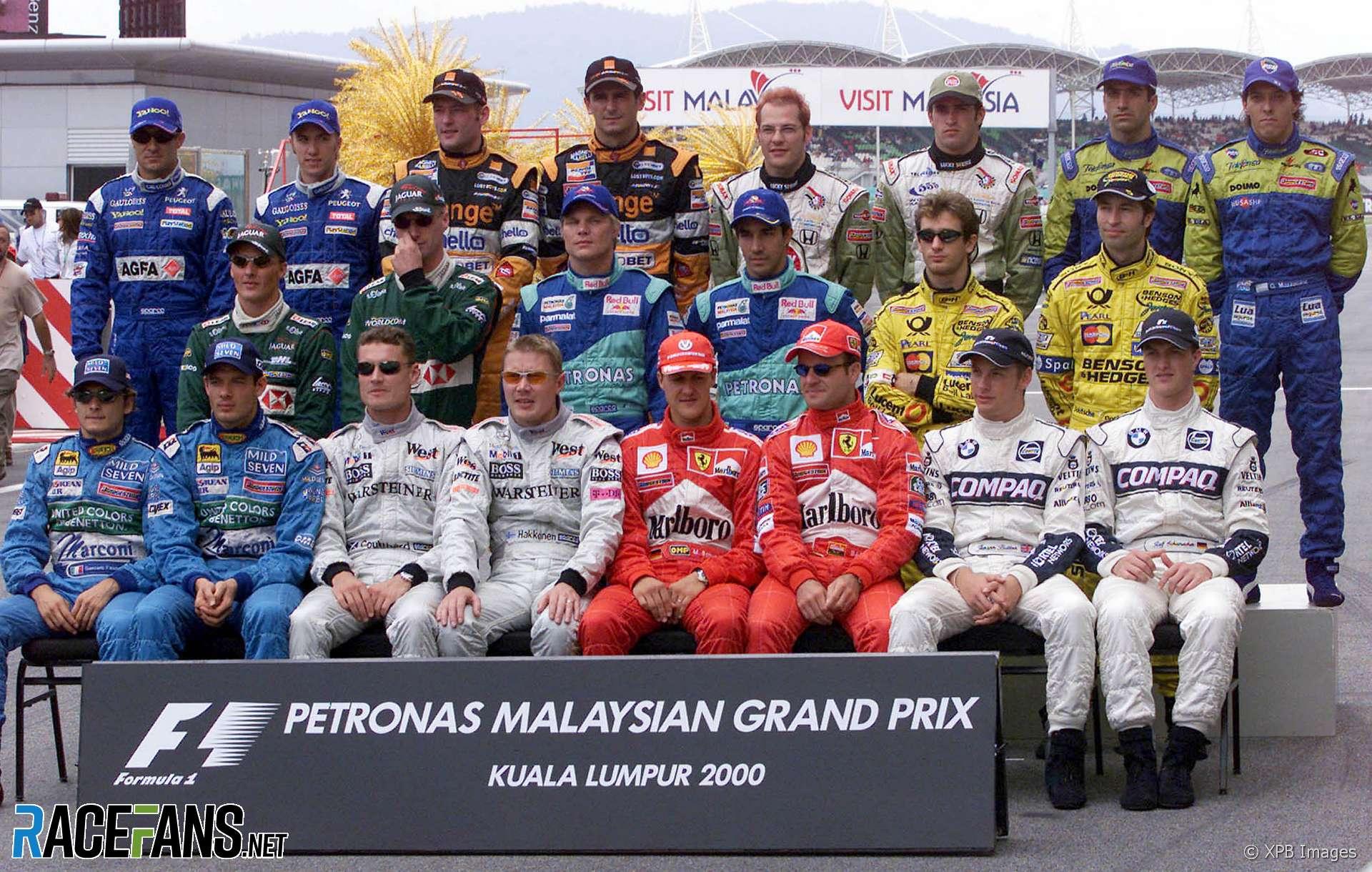 F1 drivers end-of-season photograph, 2000