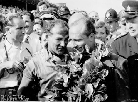 Stirling Moss, Juan Manuel Fangio, Mercedes, Aintree, 1955