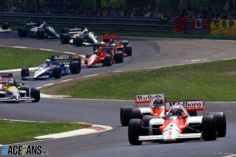 Alain Prost leads at the start of the 1986 San Marino Grand Prix, Imola