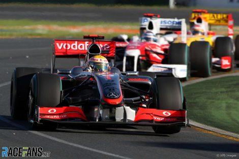 Lewis Hamilton, Jarno Trulli, Albert Park, Melbourne, 2009