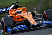 Sainz avoids penalty for delaying Giovinazzi after blue light panel error