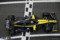 Renault break curfew replacing Ricciardo's damaged chassis