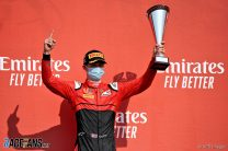 Ilott boosts title hopes with home win
