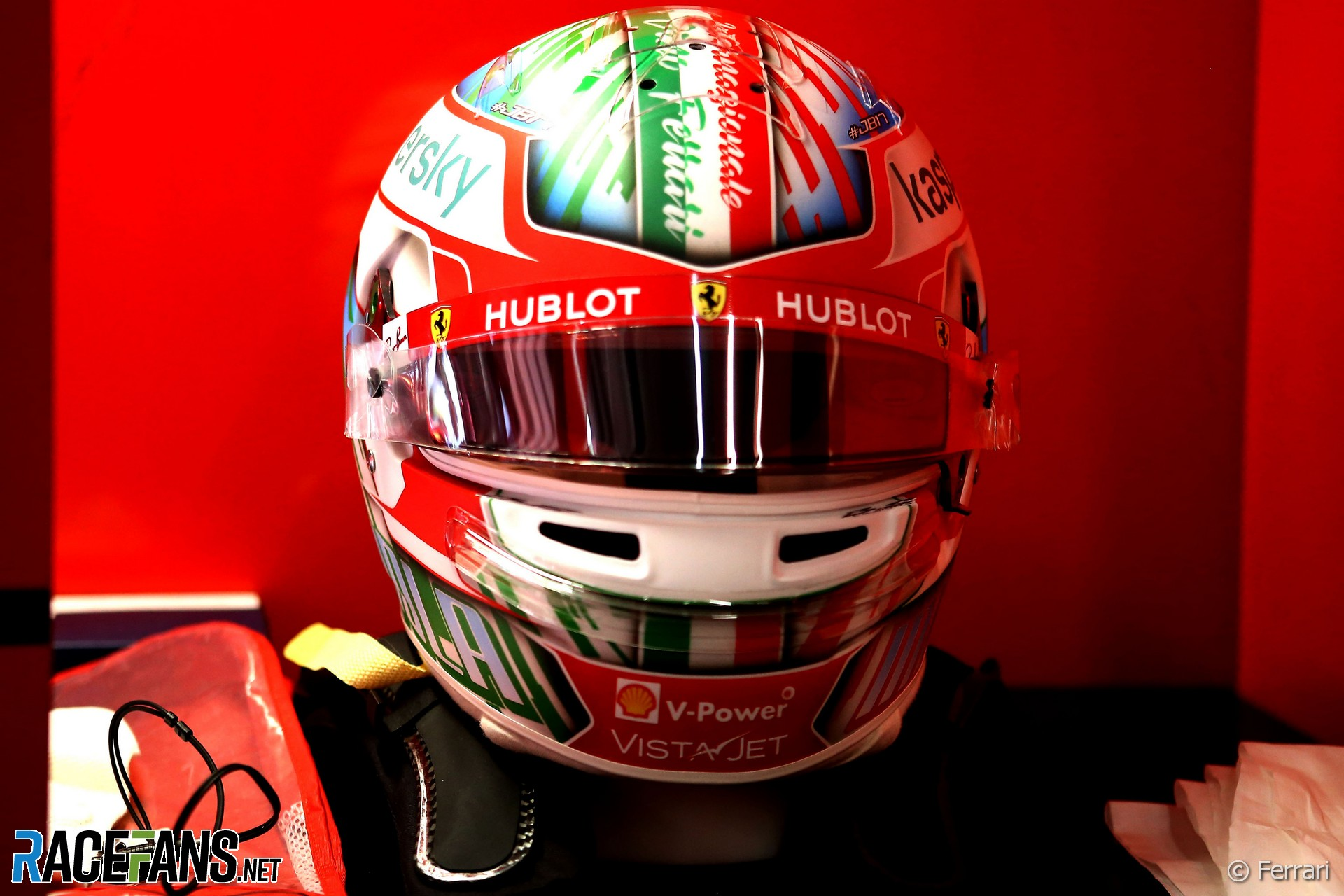 Charles Leclerc's Emilia-Romagna Grand Prix helmet, 2020