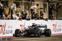 Hamilton equals his best winning streak in F1's longest race since Brazil 2016
