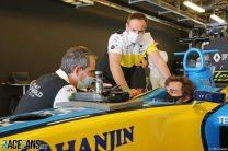 Fernando Alonso, Renault R25, Yas Marina, 2020