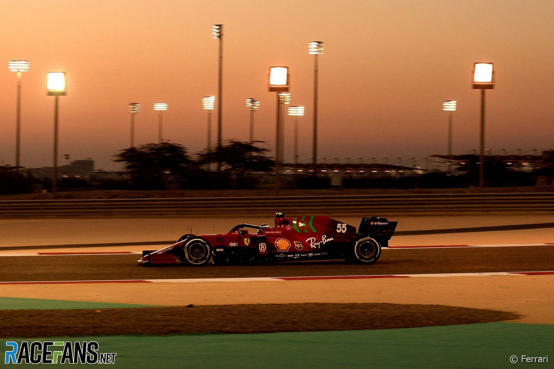Carlos Sainz Jnr, Ferrari, Bahrain International Circuit, 2021