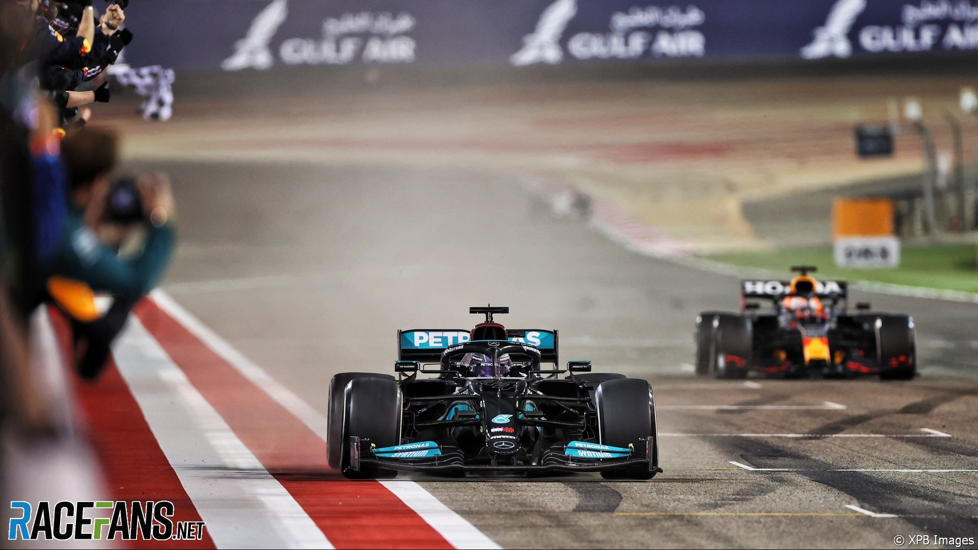 Lewis Hamilton, Max Verstappen, Bahrain International Circuit, 2021
