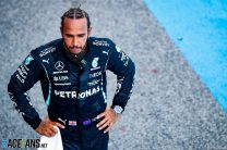 Hamilton wants to agree new Mercedes contract within three months