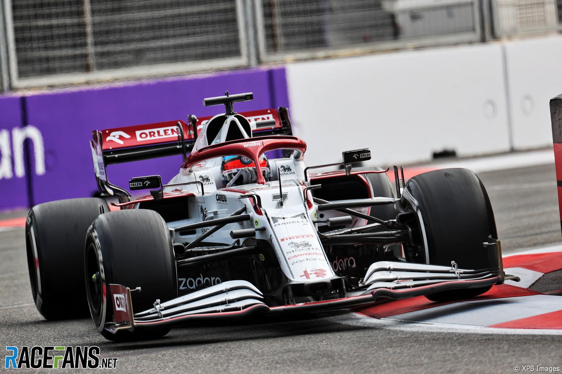 Kimi Raikkonen, Alfa Romeo, Baku City Circuit, 2021