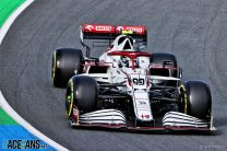 Puncture cost Alfa Romeo a points finish, says Giovinazzi