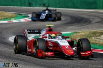 Piastri stays cool for win after four Safety Cars in feature race