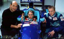 Peter Sauber mit seinen F1-Piloten Nick Heidfeld und Kimi RŠikkšnen bei den Tests mit dem neuen Formel 1  Sauber