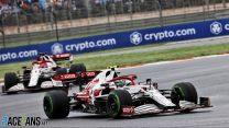 Alfa Romeo fail to score again as Giovinazzi ignores order to let Raikkonen past